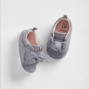 Baby Gap Knot Bow Sneakers 3-6M